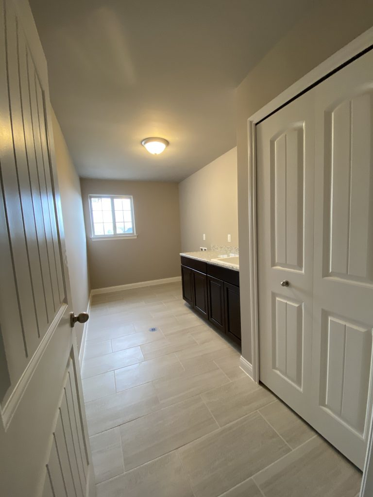 2900-Laundry Room-1