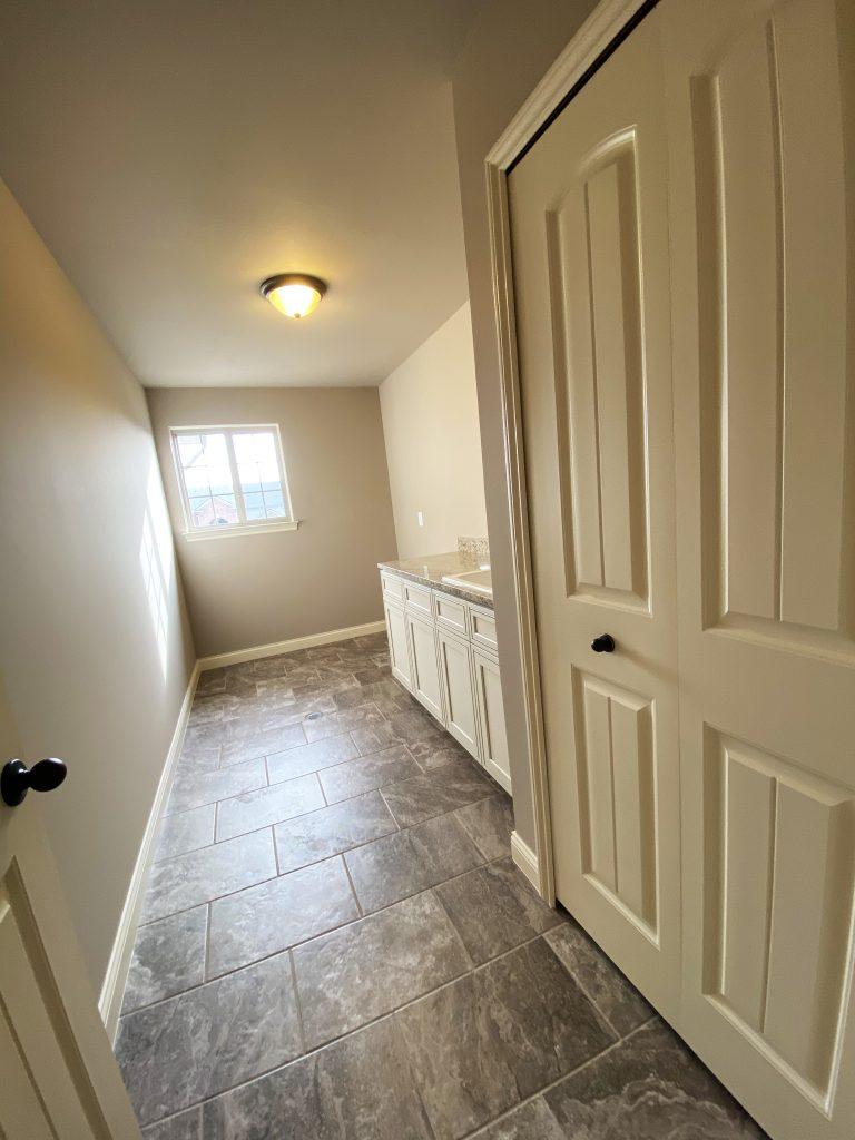 HMW28-Laundry Room